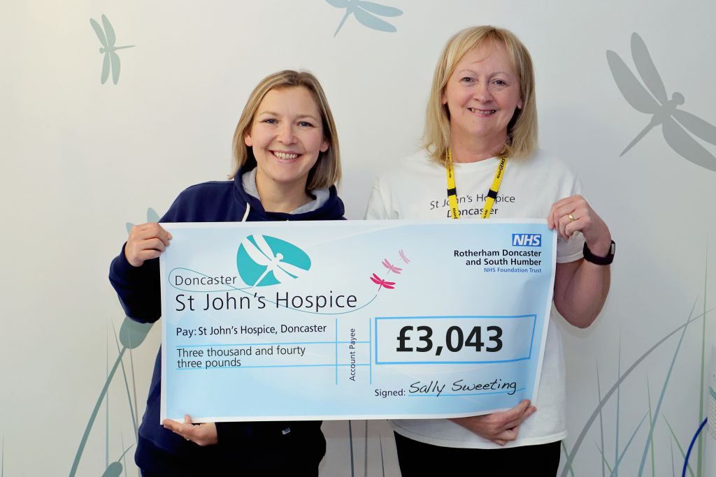 Sally (left) is pictured with Lindsey Richards of the hospice.